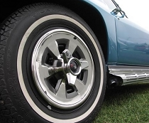 65 WHEEL COVERS W/ SPINNERS (SET OF 4)